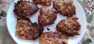 Placki z cukinii z piersią kurczaka