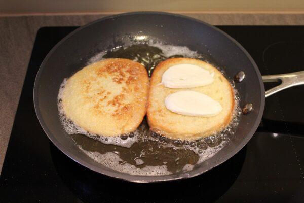 Smażenie tostów
