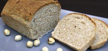 Chleb pszenny razowy z orzechami laskowymi