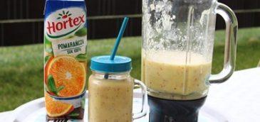 Smoothie z bananów, jabłek i soku pomarańczowego
