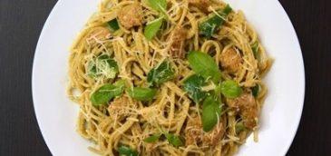 Spaghetti z indykiem w sosie śmietanowo-bazyliowym