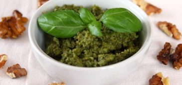 Pesto bazyliowe z orzechami