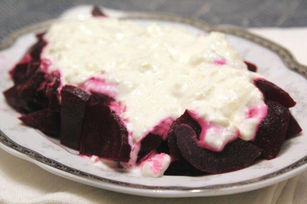 Buraczki w sosie jogurtowym