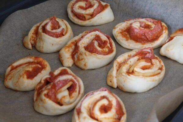 Pizzerinki przed pieczeniem