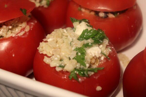Pomidory przygotowane do pieczenia
